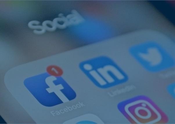 follow-chris-dunn-consulting-social-media